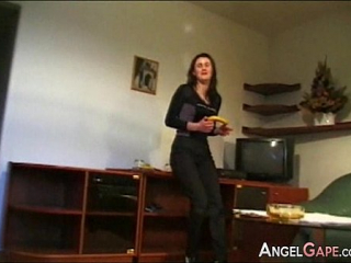 شاب روسي يغتصب امه مترجم عربي